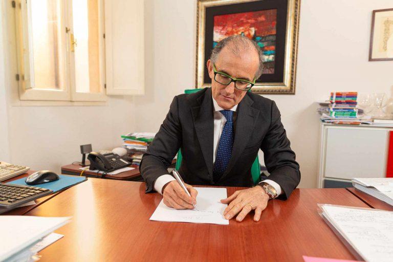 Luca Lambertini al lavoro nel suo ufficio
